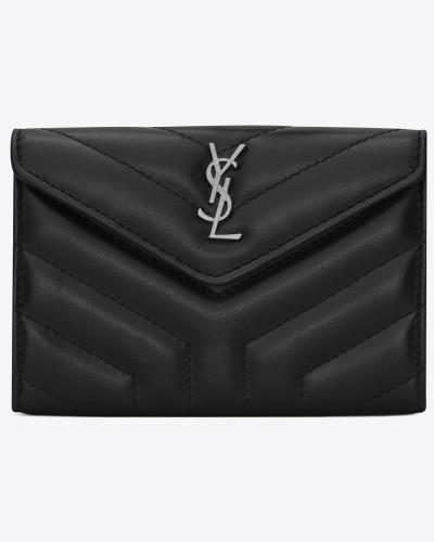 kleines loulou umschlagportemonnaie aus schwarzem glanzleder mit y-steppnähten