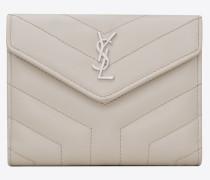 kompaktes loulou portemonnaie aus elfenbeinfarbenem glanzleder mit y-steppnähten