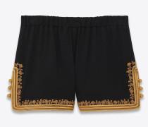 Shorts aus Seidensablé mit bestickter Tresse