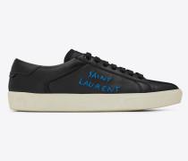 court sl/06 sneaker aus schwarzem leder und metallblauer stickerei