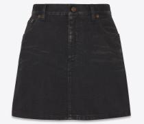 Minirock aus leicht beschichtetem schwarzem Stretch-Denim