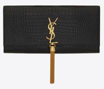 saint laurent clutch aus schwarzem geprägtem leder mit krokodilledereffekt mit quaste