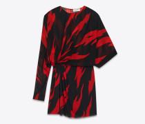 Asymmetrisches Minikleid aus Seide mit drapierter Seite und schwarzem und rotem Flammenprint