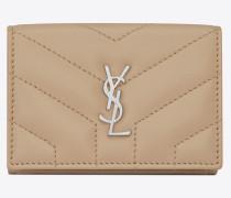 petite Loulou Portemonnaie aus dunkelbeigem Glanzleder mit Y-Steppnähten