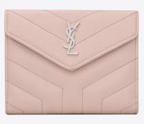 kompaktes lou lou portemonnaie aus verwaschen rosafarbenem glanzleder mit y-steppnähten