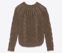 Pullover aus goldfarbenem Aran-Zopfmuster-Strick
