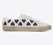 court sl/06 lolita sneakers aus weißem leder mit herzförmigen patches
