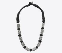 Folk Halskette mit silberfarbenen Metallperlen