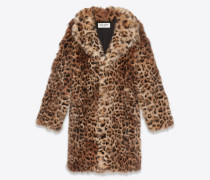 Mantel aus Fuchsfell mit Leopardentupfen