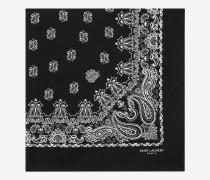 quadratischer bandanaschal aus baumwolle mit schwarz-weißem paisleymuster