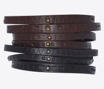 7er-Set Armbänder aus Leder mit Prägung und Nieten.