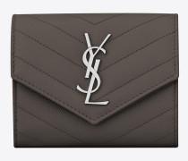 kompaktes, dreifaches saint laurent portemonnaie aus erdgrauem matelassé-leder mit struktur