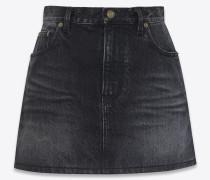 minirock aus ausgebleichtem schwarzem denim mit property-print