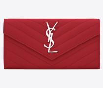 großes portemonnaie mit überschlag aus rotem strukturleder mit matelassé-nähten