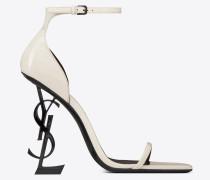 OPYUM Sandale aus Lackleder mit schwarzem Absatz