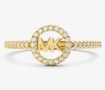 Ring aus Sterlingsilber mit Edelmetallbeschichtung und Logo