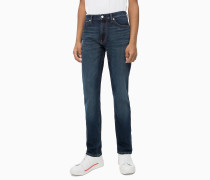 CKJ 025 Slim Straight Jeans