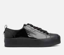 Sneakers aus Lack-Kunstleder