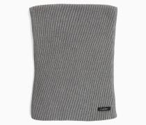 Schal aus diagonalem Rippstrick