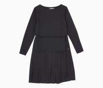 Langärmliges Kleid mit Bundfalten