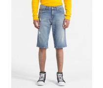Slim Denim-Shorts auf alt getrimmt