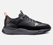 Sneaker aus Leder und Veloursleder