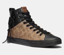Charakteristischer C220 Hightop-Sneaker
