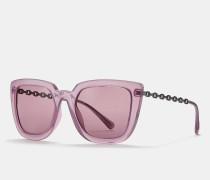 GroBe quadratische Sonnenbrille mit charakteristischer Kette