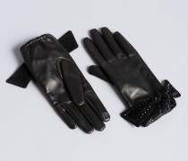 Handschuhe aus Leder mit Nieten