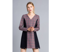 Kleid aus Kariertem Flanell und Makrameespitze