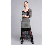 Kleid mit Zweifarbigen Streifen und Spitze