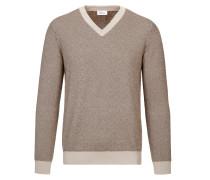 Kamelfarbener und brauner Pullover mit V-Ausschnitt und Fischgrätmuster