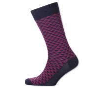 Socken in BeerenRot mit Triangelmuster