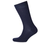 Socken mit feinen Strichen in Marineblau und Weiß