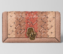 KNOT CLUTCH AUS INTRECCIATO CLUB STITCH IN PEACH ROSE