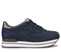 H222, Sneaker