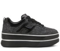 H449, Sneaker