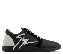 Leather low-top sneaker with Signature G RUNNER