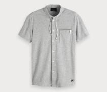 Graues kurzärmliges Shirt