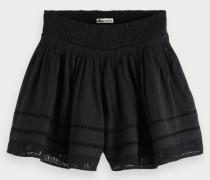 Shorts mit Lochmuster