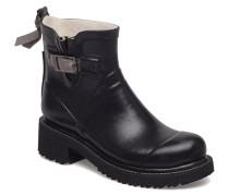 Women Rub Boots Short