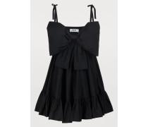 Kurzes Kleid ohne Ärmel