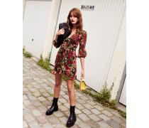 Short formal dress in floral print
