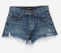 Jeansshorts mit Piercing-Detail