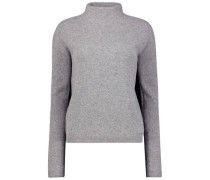 Sleek turtleneck jumper