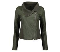 Diagonal zipper jacket
