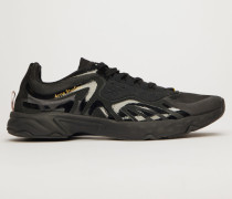 Schwarz/Schwarz/Schwarz Trail-Sneakers