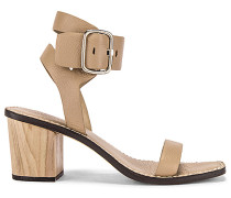 Dalila Low Heel