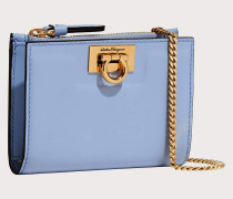 Compact wallet with chain