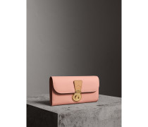 Brieftasche im Kontinentalformat aus Trench-Leder in Zweitonoptik